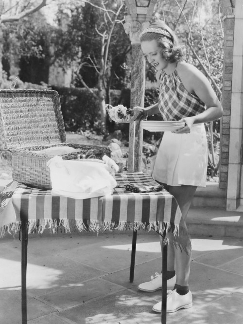 Bette Davis: The Screen Queen at a Picnic Table