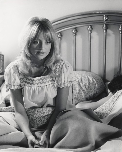 Goldie Hawn in Bed