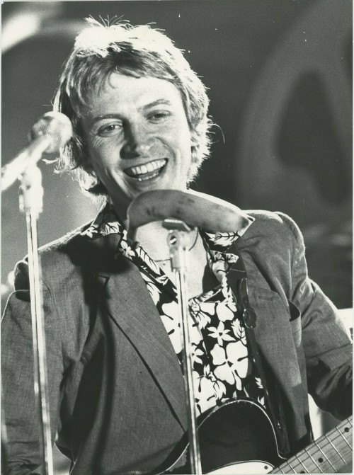 """Andy Summers """"Police"""" Performing in the 80's"""